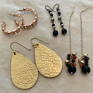 4 sets of earrings for one price